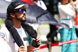 Фернандо Алонсо , McLaren слухають національний гімн