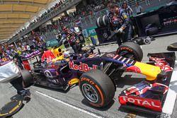 Daniel Ricciardo, Red Bull Racing RB11 on the grid