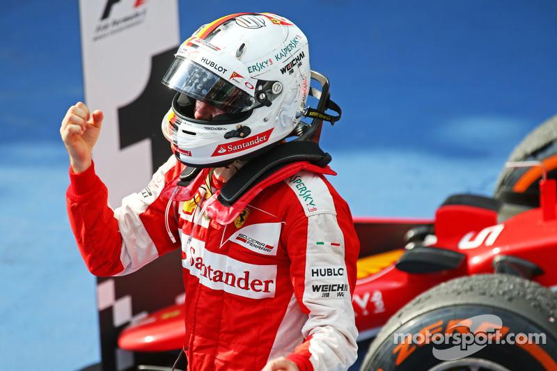 Juara balapan Sebastian Vettel, Ferrari merayakan