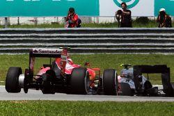 Кими Райкконен, Ferrari SF15-T, прокол