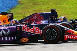 Daniel Ricciardo, Red Bull Racing RB11 and Max Verstappen, Scuderia Toro Rosso STR10