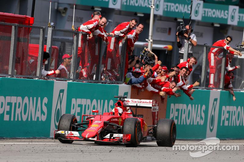 De 'roupa nova', Vettel garantiu uma vitória pela Ferrari logo na segunda corrida pelos italianos, no GP da Malásia de 2015