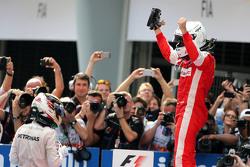 Sebastian Vettel, Scuderia Ferrari y Lewis Hamilton, Mercedes AMG F1 Team