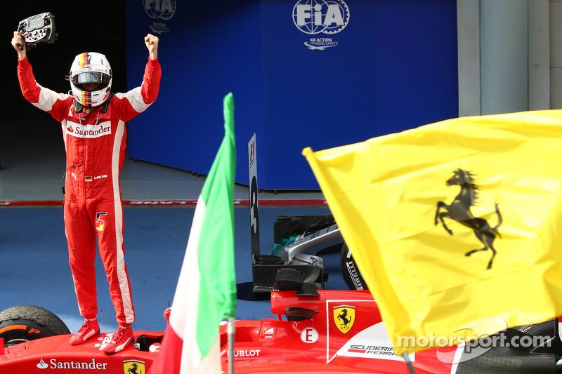 2015: Primeira vitória de Vettel na Ferrari