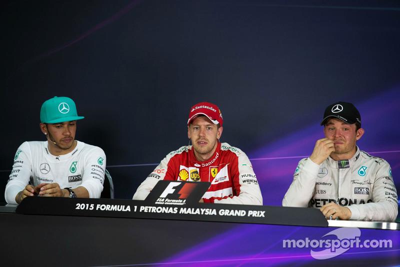 Гран При Малайзии, 29 марта. Льюис Хэмилтон, Себастьян Феттель и Нико Росберг на пресс-конференции