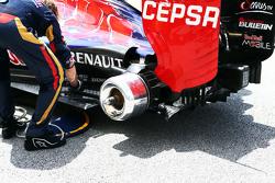 Часть заднего крыла Scuderia Toro Rosso STR10