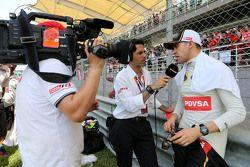 Пастор Мальдонадо Lotus F1 Team