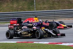 Ромен Грожан Lotus F1 Team и Даниэль Риккардо Red Bull Racing