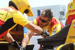 Andretti Autosport crew members