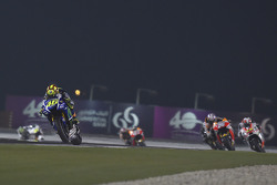 Valentino Rossi, Yamaha Factory Racing; Dani Pedrosa, Repsol Honda Team, und Yonny Hernandez, Pramac