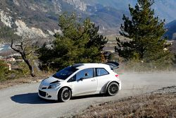 丰田雅力士WRC赛车测试中
