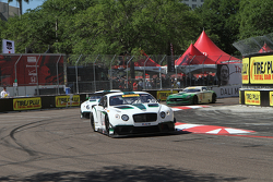 #20 Team Bentley Dyson Racing Bentley Continental GT3: Батч Ляйцингер