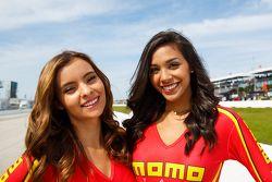 MOMO promotional girls