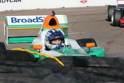 Timothé Buret dans le mur de pneus
