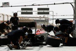 Stoffel Vandoorne, ART Grand Prix makes a pit stop