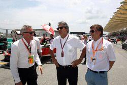 مارتشيلو لوتي، الرئيس التنفيذي لتي سي آر مع جوست كابيتو، المدير رياضة السيارات في فولكسفاغن