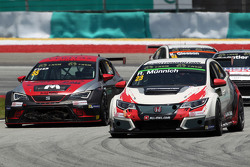 René Münnich, 本田思域 TCR, West Coast Racing;和Ferenc Ficza, SEAT Leon Racer, Zengo Motorsport