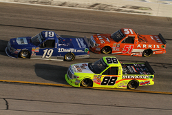 Tyler Reddick, Brad Keselowski Racing Ford, Matt Crafton, ThorSport Racing Toyota, Daniel Suarez, Ky
