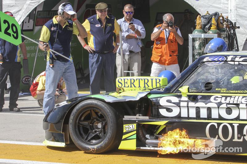 Mauro Giallombardo, Maquin Parts福特车队,更换轮胎测试