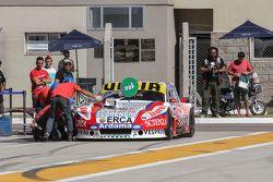 Juan Manuel Silva, Catalan Magni Motorsport, Ford, beim Reifenwechsel-Training