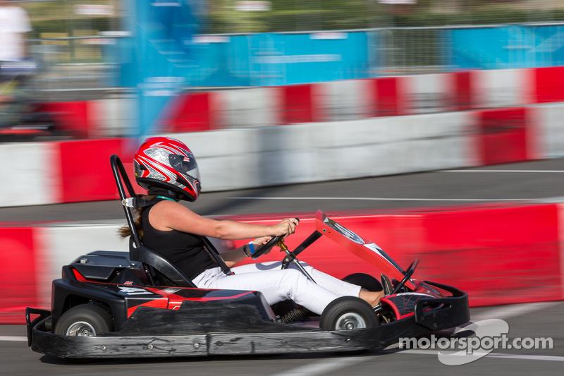 Kartveranstaltung mit Formel-E-Fahrern und VIPs