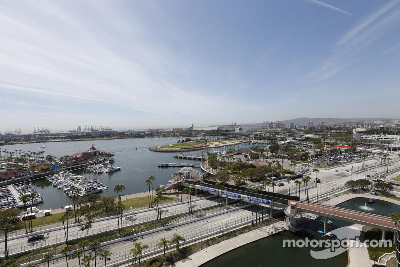 Long Beach, Atmosphäre