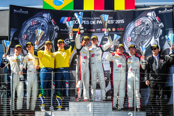 Podyum: Yarışın kazananı Stéphane Richelmi, Stéphane Ortelli, Belçika Audi Club WRT Takımı , ikinci