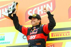 Racewinnaar Caca Bueno, Red Bull Racing Chevrolet