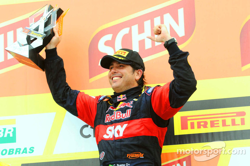 El ganador Caca Bueno, Red Bull Racing Chevrolet