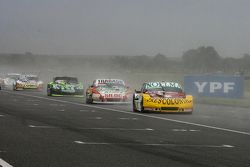 Nicolas Bonelli, Bonelli福特车队, Mariano Altuna, Altuna雪佛兰车队,和Mauro Giallombardo, Maquin Parts福特车队
