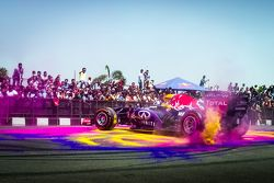 David Coulthard, Red Bull Racing performs at the Red Bull Show Run 2015 at Necklace Road in Hyderaba