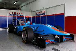 Ralph Boschung Jenzer Motorsport的赛车在车库里