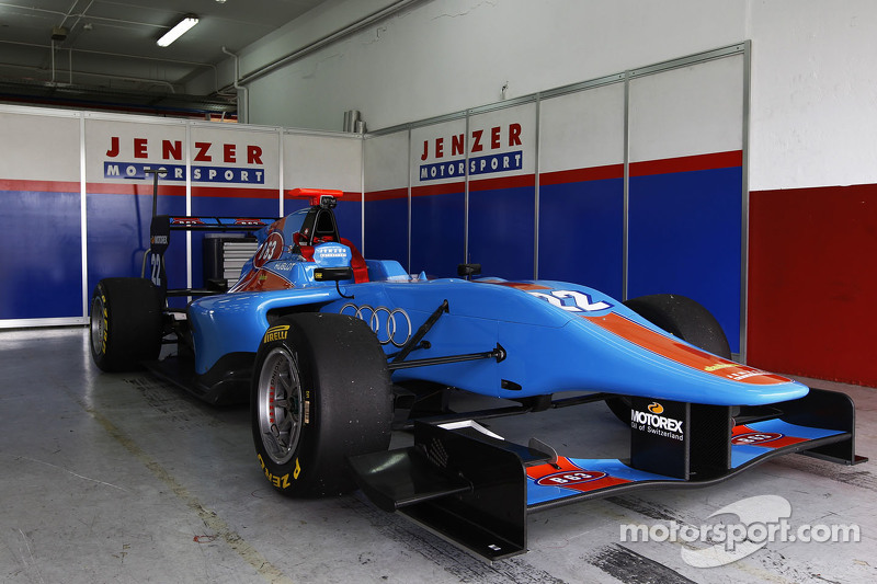 машина для Ральф Бошунг Jenzer Motorsportв garage