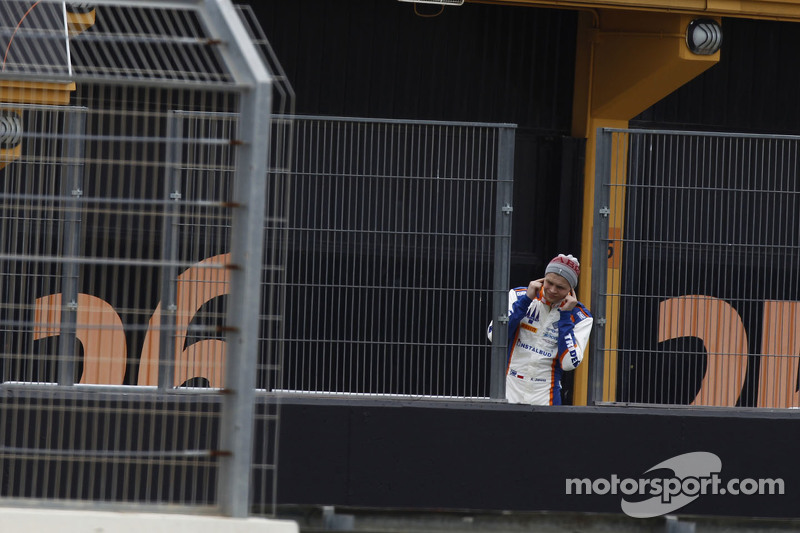 Artur Janosz Tridentwatches the track from the pitlane