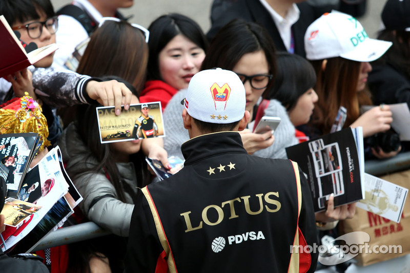 Pastor Maldonado, Lotus F1 Teamrequests@xpbimages.com - copy of publication required for printed pic