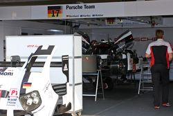 #17 Porsche Team Porsche 919 Hybrid: Тимо Бернард, Марк Уэббер, Брендон Хартли