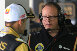 Mark Slade, Lotus F1 Team, ingeniero de carrera