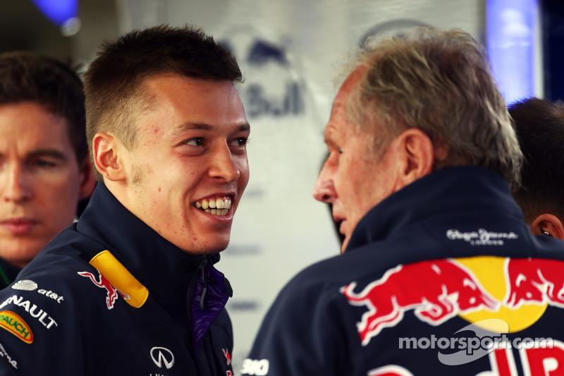 Daniil Kvyat, Red Bull Racing, mit Dr. Helmut Marko, Berater Red Bull Motorsport