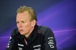 Andrew Green, Technischer Direktor Sahara Force India F1 Team, in der FIA-Pressekonferenz