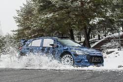 Прототип Hyundai i20 WRC 2015 года