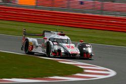 #7 Audi Sport Team Joest Audi R18 e-tron quattro: Marcel Fassler, Andre Lotterer, Benoit Tréluyer