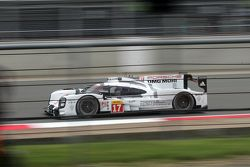 #17 Porsche Team Porsche 919 Hybrid : Timo Bernhard, Mark Webber, Brendon Hartley