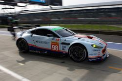 #98 Aston Martin Racing Aston Martin Vantage V8 : Paul Dalla Lana, Pedro Lamy, Mathias Lauda