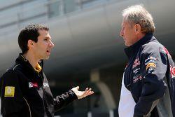 Реми Таффен, Renault Sport F1 и доктор Хельмут Марко, консультант Red Bull Motorsport