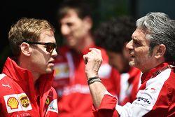 Себастьян Феттель, Ferrari и Маурицио Арривабене, руководитель Ferrari Team