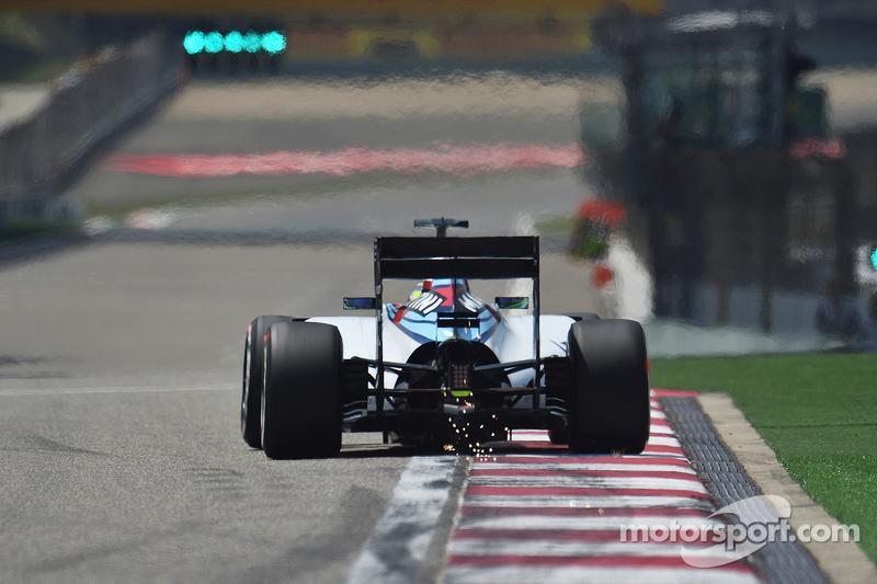 Felipe Massa, Williams FW37 sacando chispas