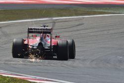Kimi Raikkonen, Ferrari SF15-T sends sparks flying