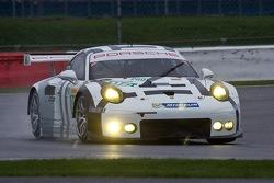#99 Aston Martin Racing Aston Martin Vantage V8: Алекс МакДауэлл, Дэррил О'Янг, Фернандо Реес