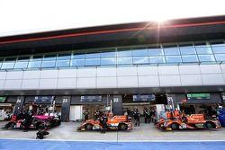 Paadock #28 G-Drive Racing Ligier JS P2 - Nissan: Gustavo Yacaman, Luis Felipe Derani, Ricardo Gonzalez