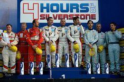 Podium: tweede plaats Felipe Barreiros, Mads Rasmussen, Francisco Guedes, winnaars Eric Dermont, Fra